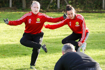 18.11.11. CWLFC vs QPR Girls