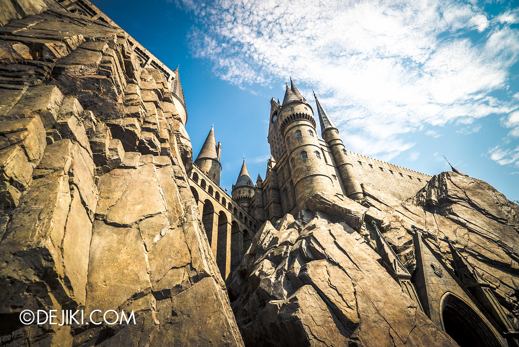 Universal Studios Japan - Harry Potter and the Forbidden Journey / Walking under the Castle