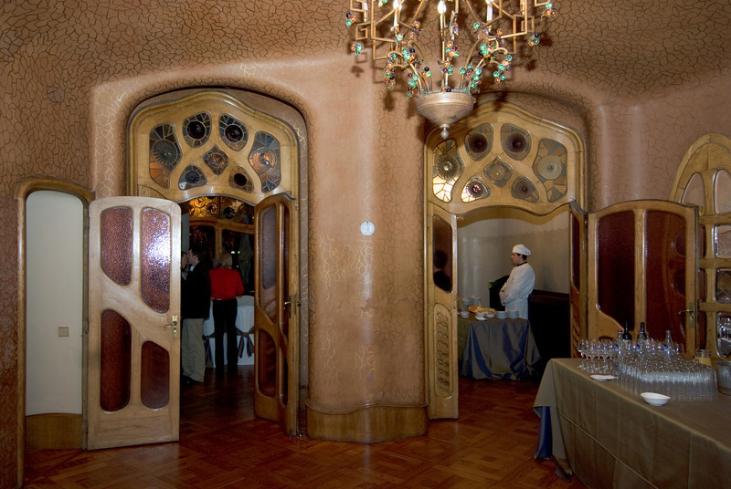 Side of the Piano Nobile room in Casa Batlló. (Dec 11, 2007, 08:16pm)