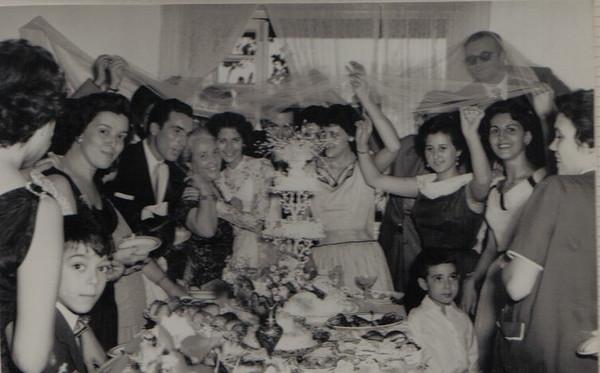"""Dundo. MARIA DOA ANJOS E SIMÕES """"Pedalada"""". Banquete."""