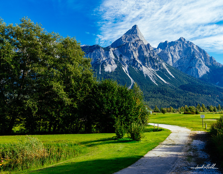 GC Zugspitze-Tirol at the foot of the breathtaking Wetterstein Mountains