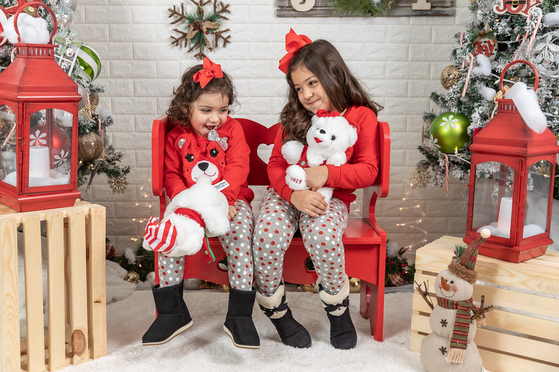11.30.19 - Clarice's Studio Christmas Mini Session - -32.jpg