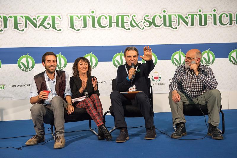 lucca-veganfest-conferenze-e-piazzetta_3_021.jpg
