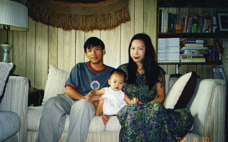 ESther with parents on 2001-12?.jpeg