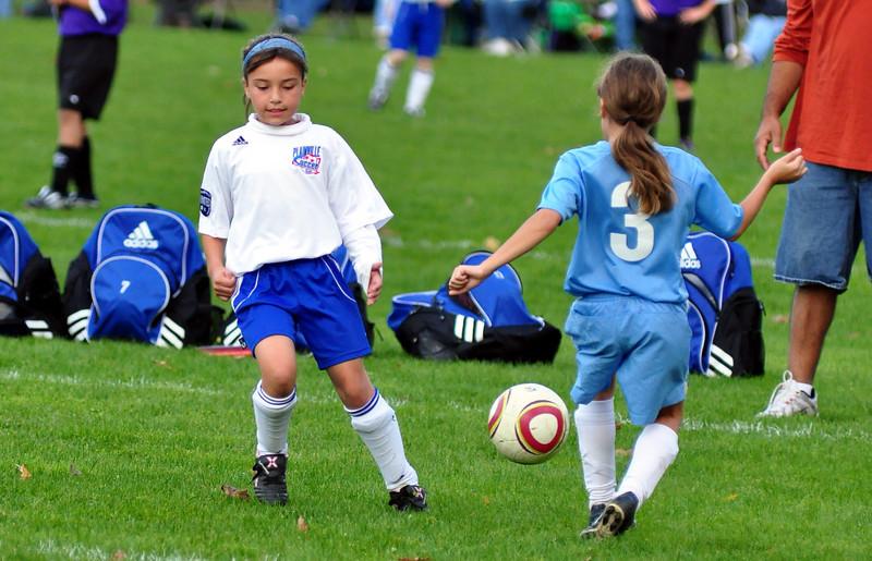 plainville u-11 girls soccer 10-17-10-022.jpg