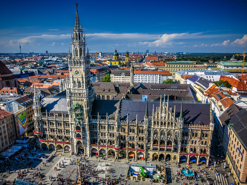 The splendid view from St. Peter's Church over Marienplatz.