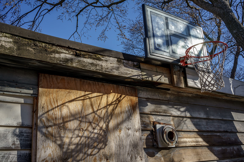 Basketball Hoop vs Shadow color