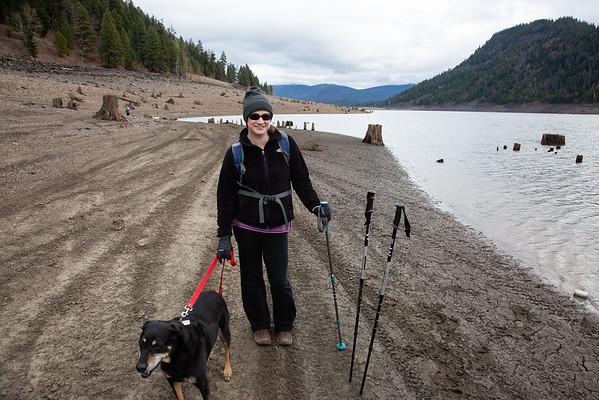 2019-11-12 Hiking on White Pass: Rimrock Lake