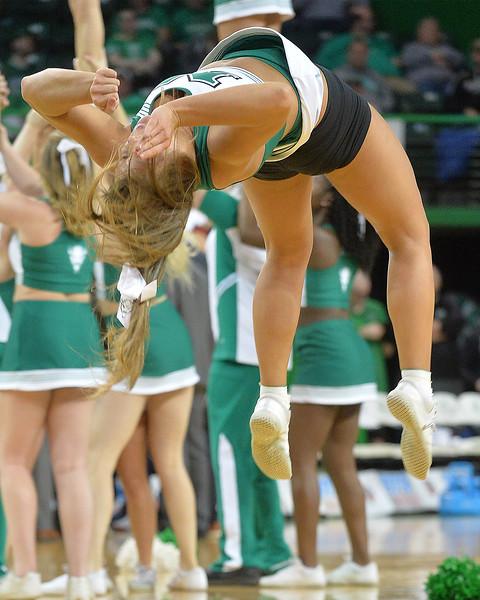 cheerleaders8711.jpg