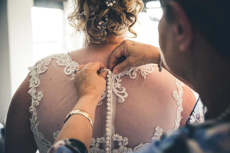 Beloit-WI-Ironworks-hotel-Wedding-Photographere_m_20.jpg