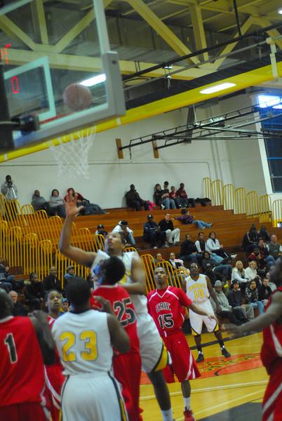 20090301_MCC Basketball_5697.JPG