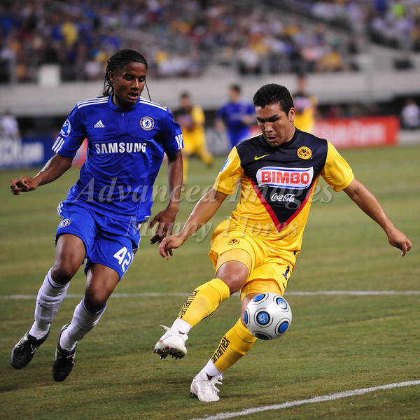 July 26 2009 World Football Challenge - Chelsea FC v Club America: #10 Salvador Cabanas of CA in action at the Cowboys Stadium in Arlington, Texas.Chelsa FC beats Club America 2-0.