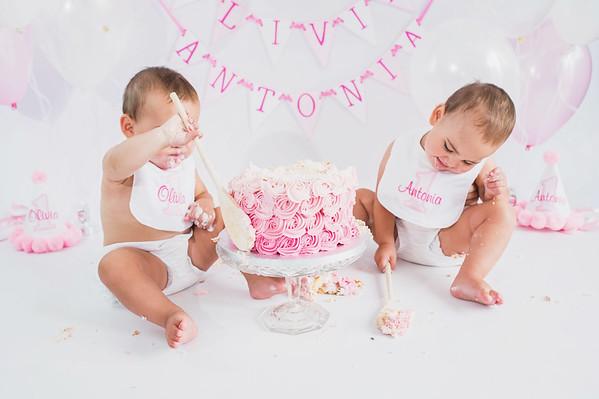 Olivia & Antonia Cakesmash