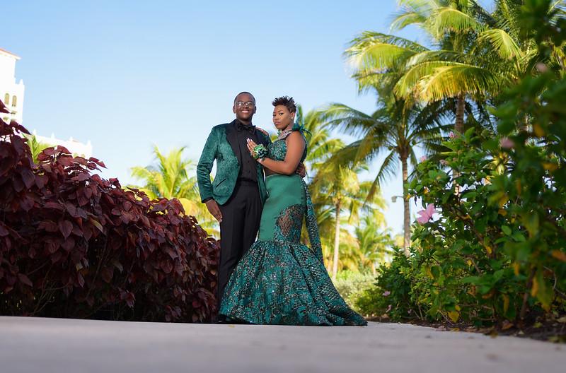 Erinique Johnson Sac Prom