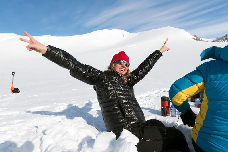 Climb Antarctica Women -1-11-18100758.jpg