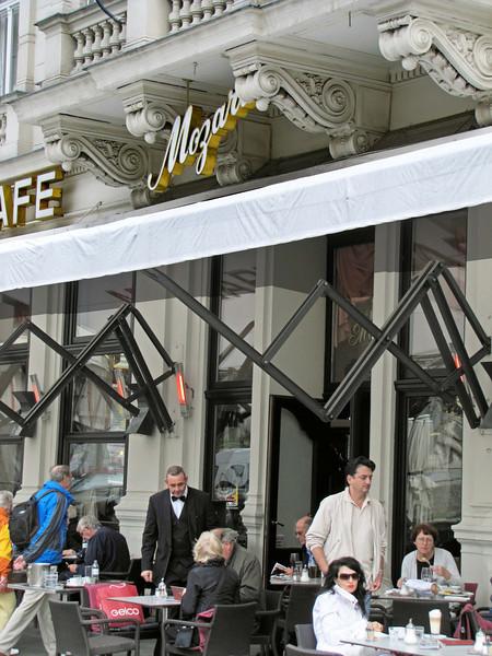 36-Cafe Mozart