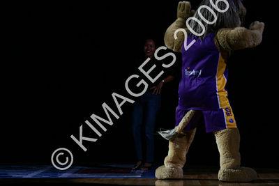 Kings Vs Tigers Grand Final No 3 28-2-06 1/2 Time Entertainment & Cheerleaders