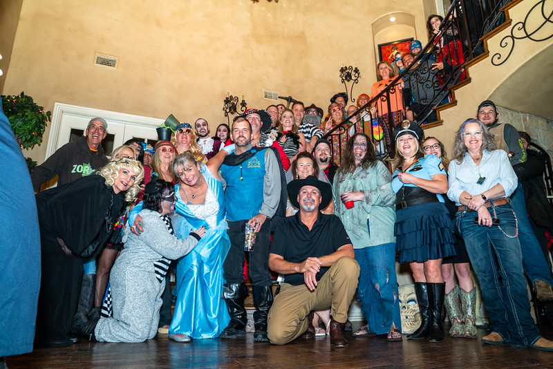 Loebeck Halloween 2019-5819.jpg