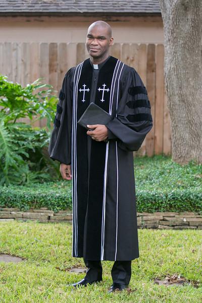 Pastor Moore-6037.jpg