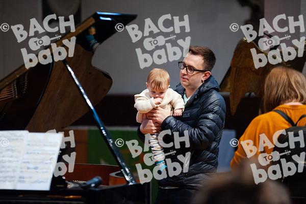 ©Bach to Baby 2019_Laura Woodrow_Epsom_2019-25-10_ 6.jpg