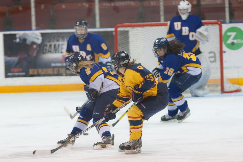 20130310 QWHockeyvsUBC 213.jpg