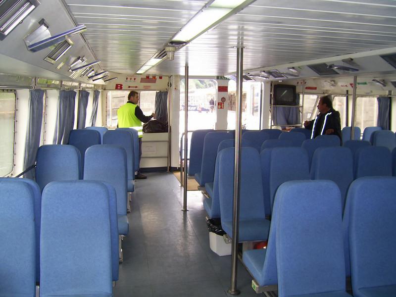 On board CELESTINA : anterior lounge.