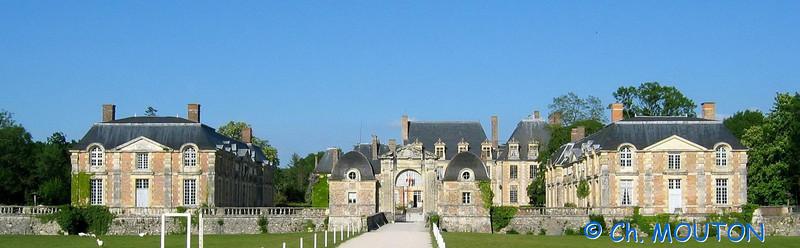 Chateau de la Ferté-St-Aubin