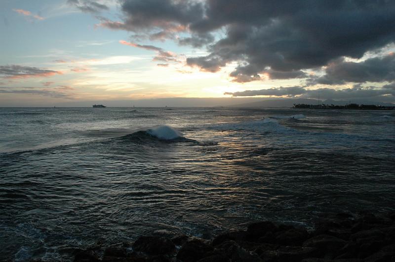 Hawaii - Ala Moana Beach Sunset-67.JPG