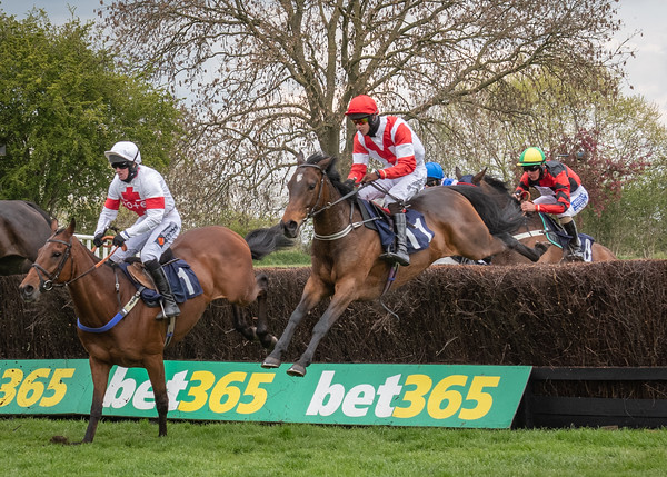 Uttoxeter Races - Sat 01 May 2021