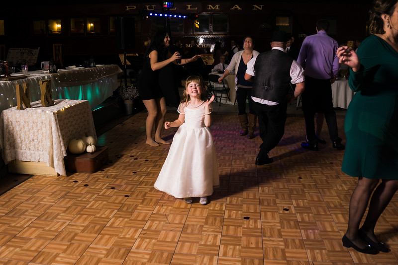 Reception (216 of 357).jpg