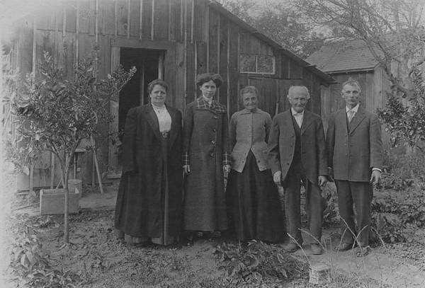 Cochems-Family-1915.jpg