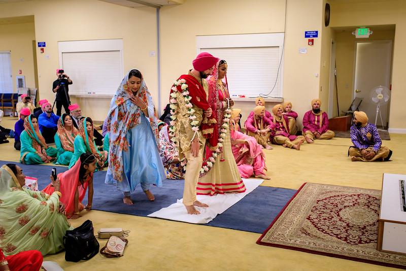 Neelam_and_Matt_Gurdwara_Wedding-1396.jpg