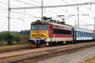 CD Class 242
