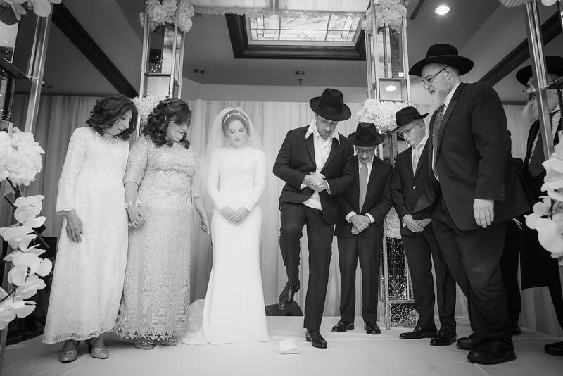Miri_Chayim_Wedding_BW-600.jpg