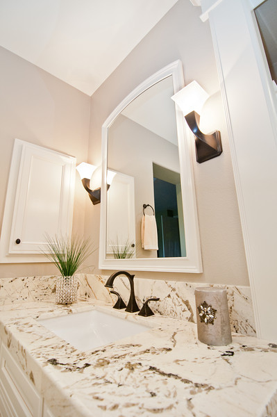 Kaminskiy - Cardiff Bathroom -2699.jpg