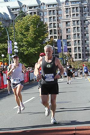 20101010.ml.victoriamarathon-825