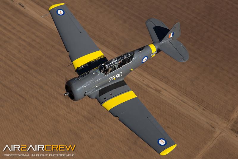 N76BZ-&-N3158G_Wings-of-Flight_T-6_MG_3502.jpg