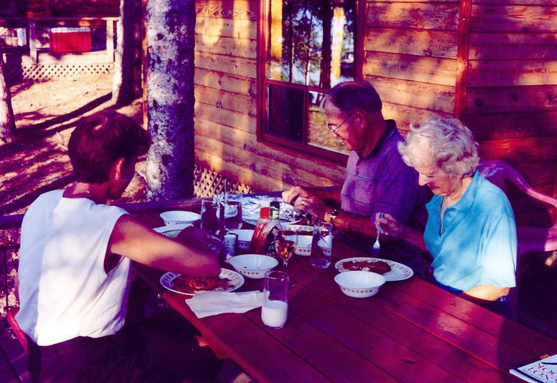 Eating_outside_CAbing_at_Tomahawk_1999.jpg