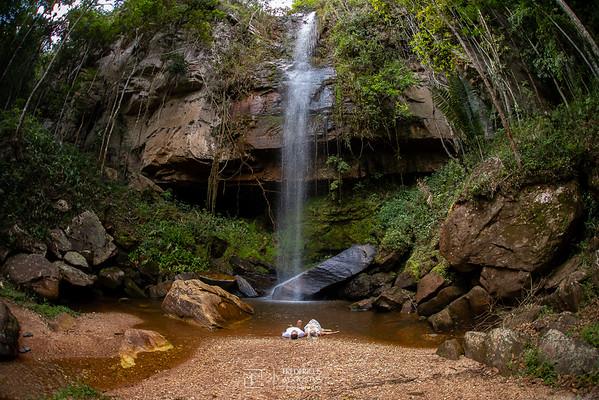 Pre Casamento na Caichoeira Pica-Pau da Andressa e Thiago