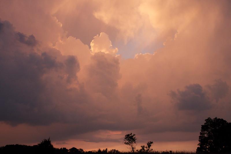 red-clouds-dawn_8777583153_o.jpg