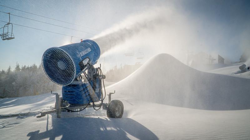 Snowmaking 1920-04802.jpg