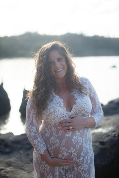 kauai-maternity-19.jpg