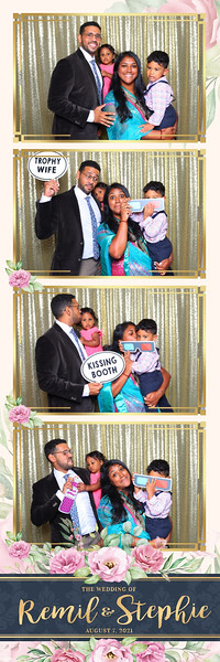 Alsolutely Fabulous Photo Booth 041139.jpg