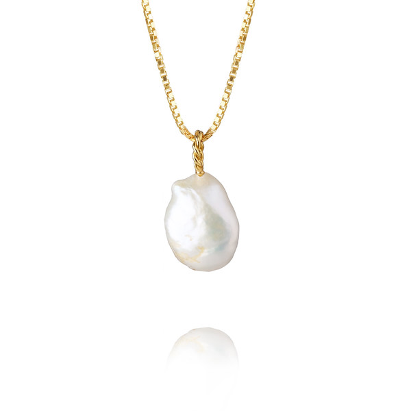 Thea Necklace/ Pearl