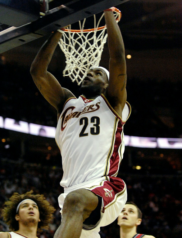 . MBlair The Cavs\' LeBron James puts in a layup during the first half of Wednesday\'s game versus the nets.