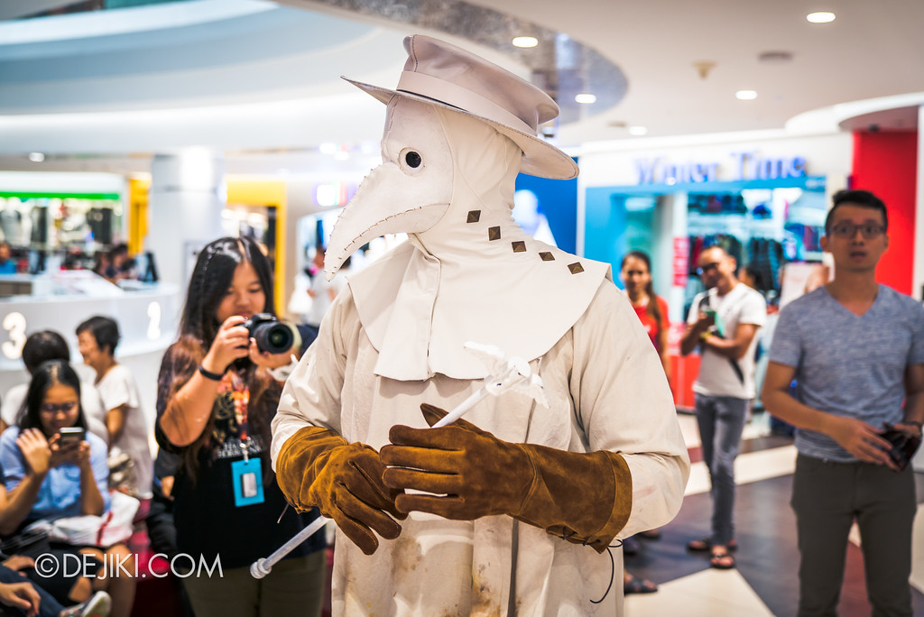 Halloween Horror Nights 7 Before Dark 5 - Scare Actor Meet and Greet HHN7 Icons at Tampines Mall - Doctor White