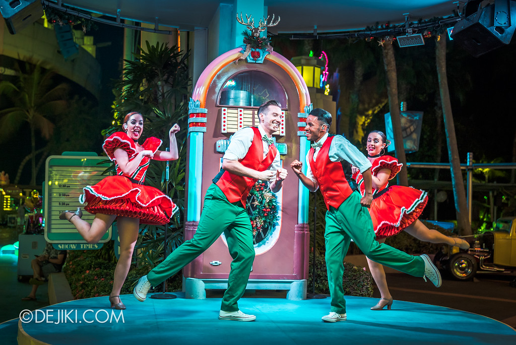 Universal Studios Singapore December Park Update - Santa's All Star Christmas 2016 / Mel's Christmas Jive 3 night