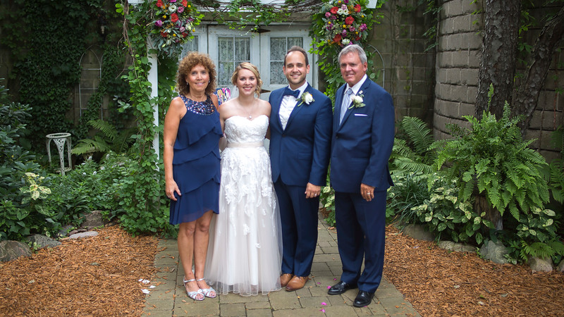 Garrett & Lisa Wedding (547).jpg