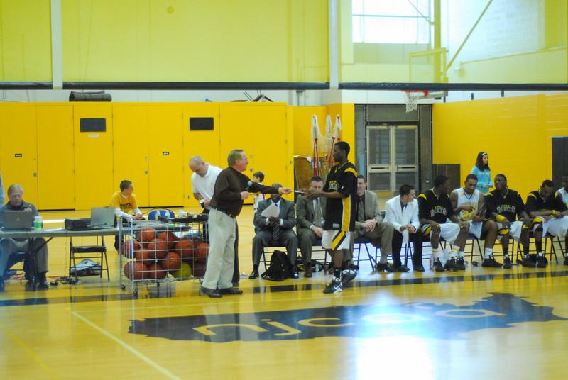 20090301_MCC Basketball_5739.JPG