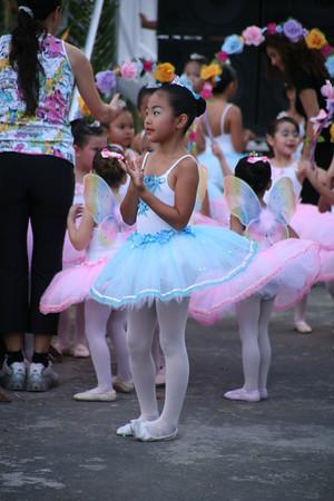 Ballerinas at Flametree
